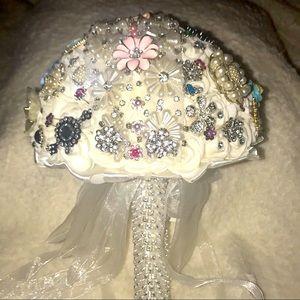 NWT Beautiful brooch bridal bouquet 💐